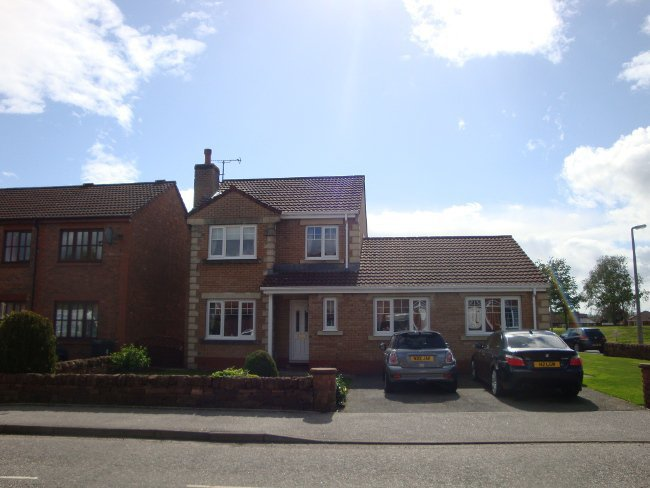 Detached 5 bedroom spacious family dwellinghouse in heathhall Dumfries